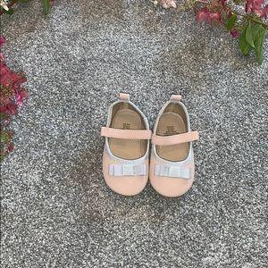 H&M 2.5-3.5 dress shoes